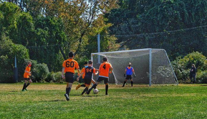 ποδοσφαιρικα-παπουτσια-2-syrrakos-sport